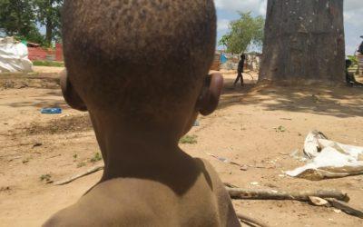 Jugar en Camizungo (África)
